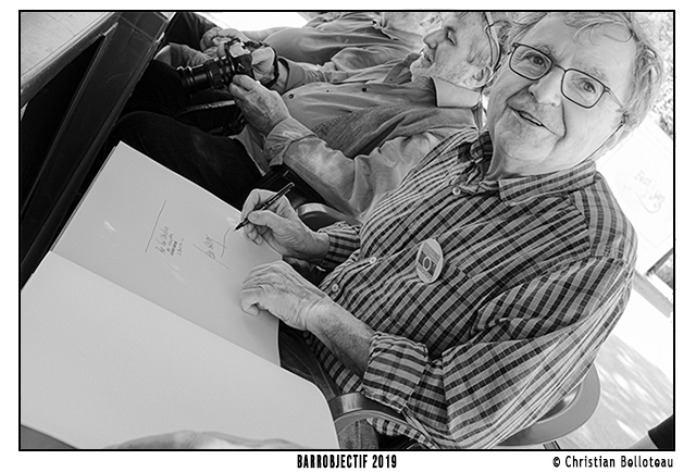 Jean Gaumy signe ses livres