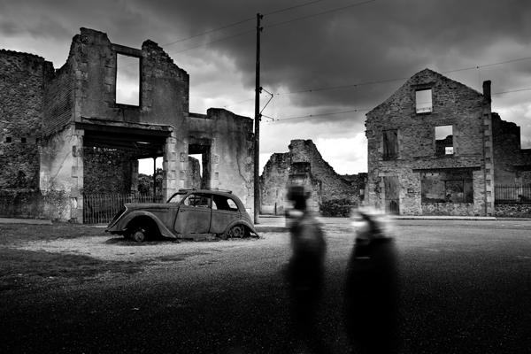 loic-guston-Oradour-sur-Glane-ruine